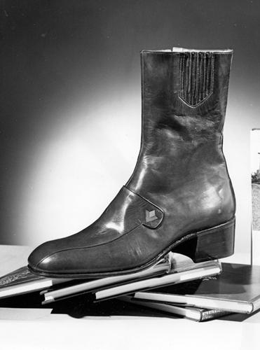 "Omnia Foto, Shoe factory ""UNIVERSAL"", vintage gelatin silver print"
