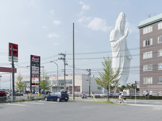 Fabrice Fouillet, Colosses. Dai Kannon, Sendai, Japan. 100 mt, built in 1991.