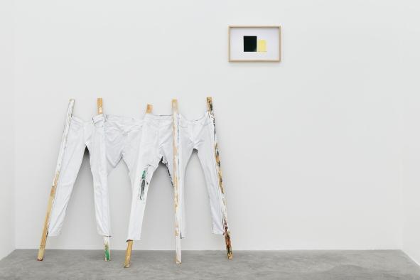 Installation view – Giulia Marchi & Magnus Frederik Clausen, Grass is greener, 2018